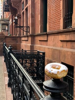 Abandoned Donut on 9th