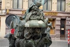 Luxembuorg Statue